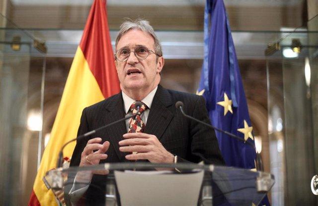 El presidente del asociación de consumidores y usuarios, Carlos Balluguera en rueda de prensa tras su reunión con el ministro de Agricultura, Pesca y Alimentación, Luis Planas, en la sede del Ministerio, en Madrid (España), a 20 de febrero de 2020.