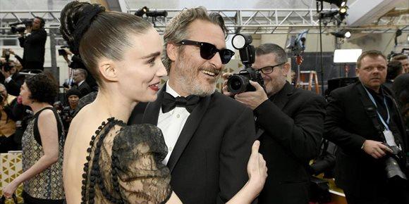 1. Joaquin Phoenix y Rooney Mara esperan la llegada de su primer hijo