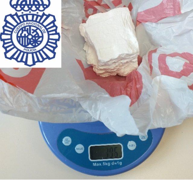 Cocaína intervenida por la Policía Nacional recibida por error por una empresa en Lugo.