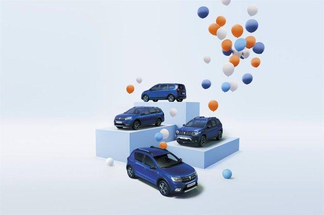 Imagen de la serie especial de vehículos de Dacia para celebrar su 15 aniversario.