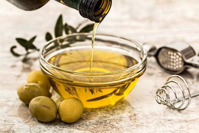 Compuestos del aceite de orujo de oliva disminuye la obesidad, según estudio de