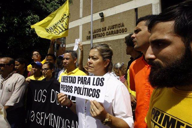 Protesta opositora para exigir la liberación de presos políticos en Venezuela (Imagen de archivo)