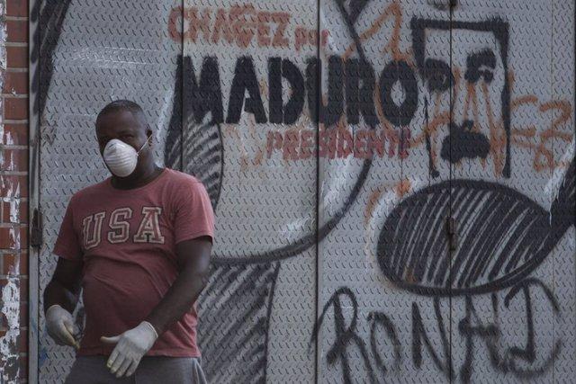 Coronavirus.- Maduro declara el toque de queda en un municipio de la frontera co