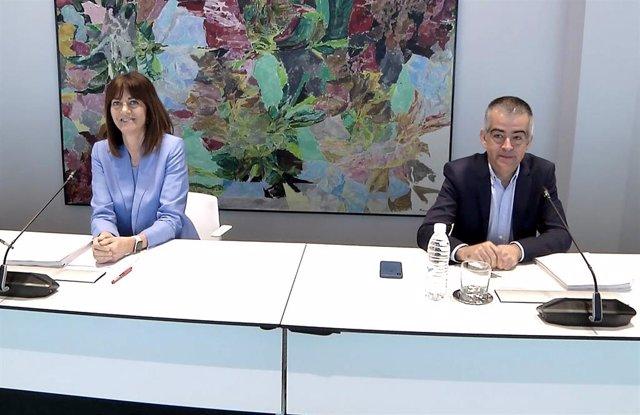 La secretaria general del PSE-EE, Idoia Mendia, y el coordinador de campaña de los socialistas vascos, Miguel Ángel Morales
