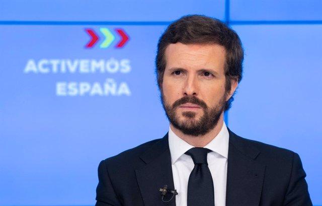 El líder del PP, Pablo Casado, presenta su plan alternativo a la desescalada de Sánchez en una rueda de prensa telemática en la sede del PP del PP. En Madrid a 12 de mayo de 2020.