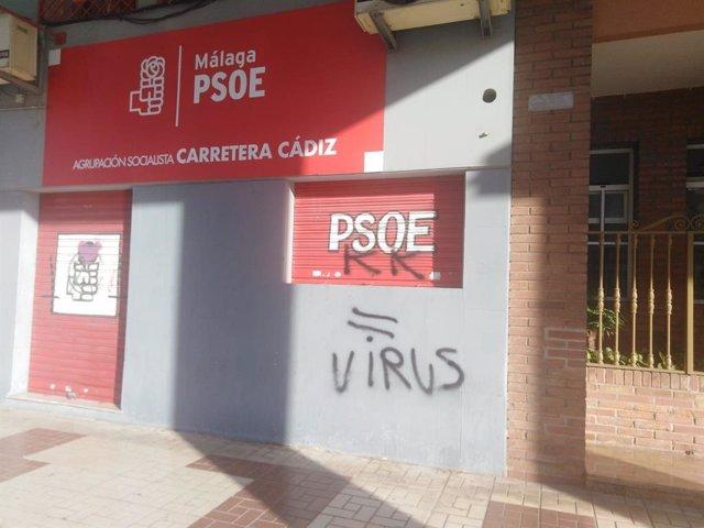 Fachada aparecida este martes 19 de mayo en la fachada de la sede de la agrupación socialista en Carretera de Cádiz, en Málaga capital