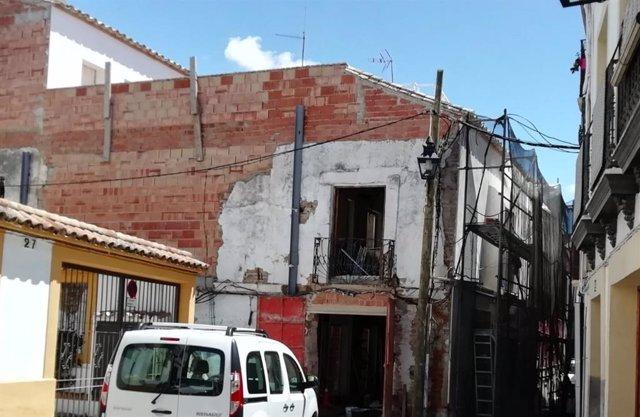 Edificio en obras en una calle del casco histórico de Córdoba.