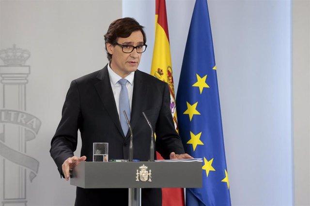 El ministro de sanidad, Salvador Illa, durante una rueda de prensa junto con la ministra de Hacienda y portavoz del Gobierno, María Jesús Montero. En Madrid (España) a 17 de mayo de 2020.