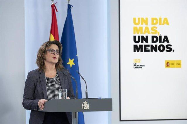 La ministra para la Transición Ecológica y el Reto Demográfico y vicepresidenta cuarta del Gobierno, Teresa Ribera, durante una rueda de prensa. En Madrid (España) a 26 de abril de 2020.