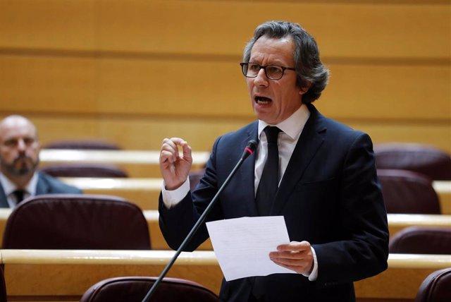 El portavoz adjunto del PP en el Senado, Carlos Floriano,