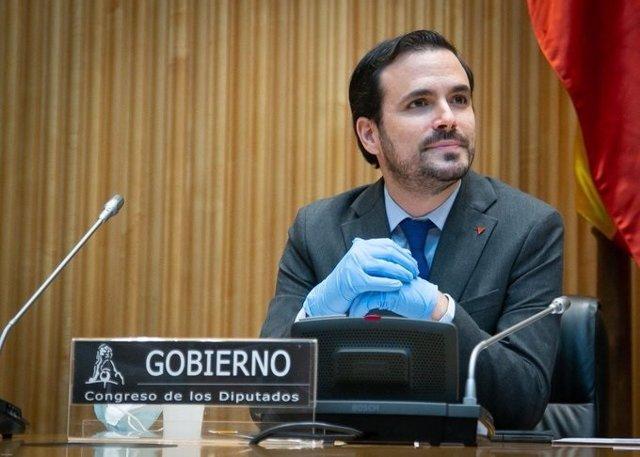 El ministro de Consumo, Alberto Garzón, en su comparecencia ante la Comisión de Sanidad y Consumo del Congreso.