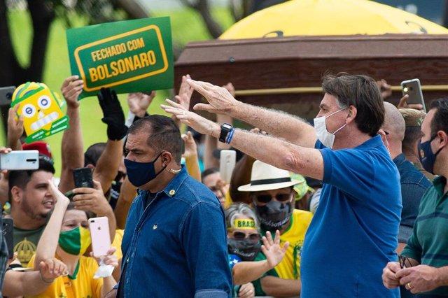 El presidente brasileño, Jair Bolsonaro, durante una manifestación de simpatizantes en Brasilia