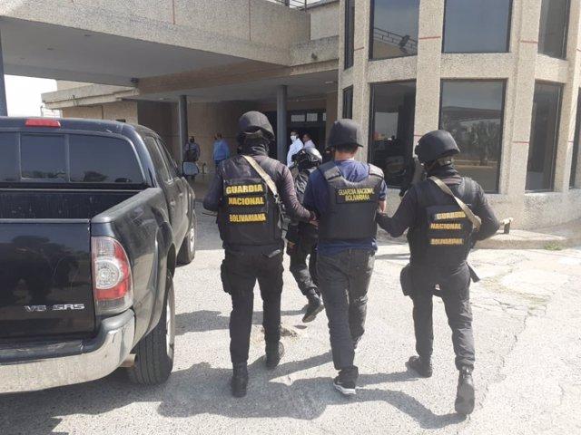 Venezuela anuncia la detención de un presunto nuevo implicado en la 'Operación Gedeón'.