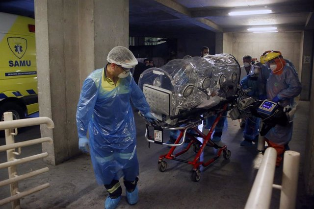 Traslado de un paciente con COVID-19  en Chile