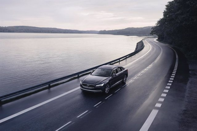 Volvo S90 Recharge T8 plug-in hybrid