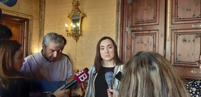 La portavoz de Cs en el Consell, Beatriz Camiña, en declaraciones a los medios