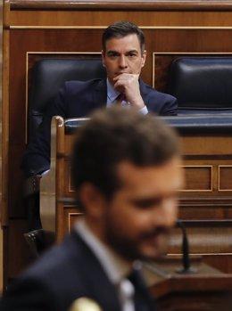 El presidente del Gobierno, Pedro Sánchez, asiste este miércoles al debate de la quinta prórroga del estado de alarma en el Congreso de los Diputados, en Madrid (España), a 20 de mayo de 2020.