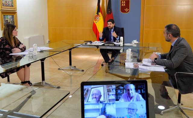 El jefe del Ejecutivo regional, Fernando López Miras, preside por vía telemática la reunión del Patronato de la Fundación Teatro Romano de Cartagena
