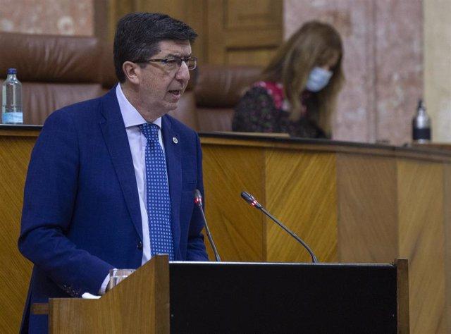 El vicepresidente de la Junta de Andalucía, Juan Marín durante su intervención en el pleno que incluye sesión de control al gobierno con preguntas de los grupos al presidente de la Junta de Andalucía, Juanma Moreno. En el Parlamento de Andalucía, (Sevilla
