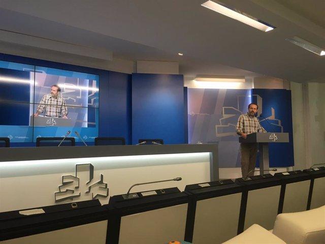Rueda de prensa del parlamentario de equo berdeak Jose Ramón Becerra