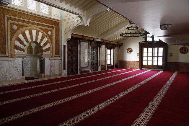 Interior de la Mezquita Mayor de Granada