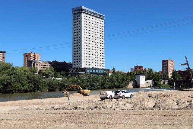 El Ayuntamiento de Valladolid renueva la zona de Las Moreras para garantizar la seguridad este verano y evitar contagios por coronavirus.