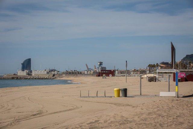 Base nàutica de la platja del Bogatell, a Barcelona (Espanya), a 7 de maig de 2020.