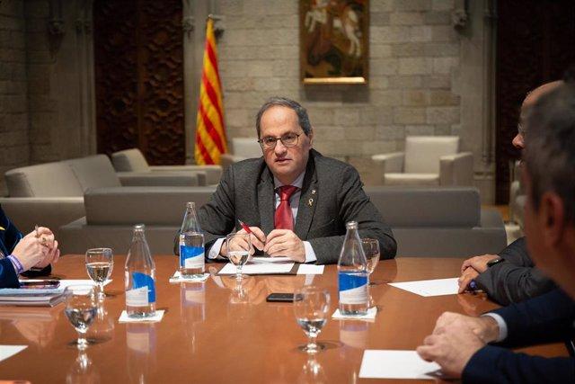 El presidente de la Generalitat, Quim Torra, durante la reunión de seguimiento de la evolución del coronavirus en el Palacio de la Generalitat, Barcelona (España), a 6 de marzo de 2020.