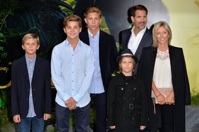 """Princess Marie-Chantal Of Greece (R), Crown Prince Pavlos Of Greece (2Ndr) And Children Arrive For The European Premiere Of """"The Jungle Book"""""""