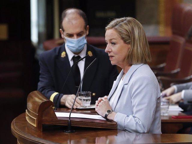 La diputada de Coalición Canaria, Ana Oramas, durante su intervención en el pleno del Congreso