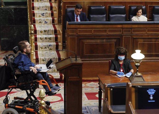 El portavoz de Unidas Podemos, Pablo Echenique, durante su intervención en el pleno del Congreso