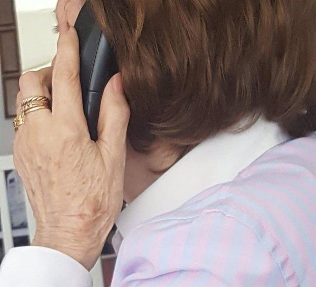 Mayores en casa, atención telefónica
