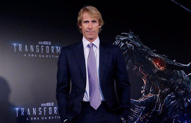 Michael Bay presenta la nueva película de la saga Transformers