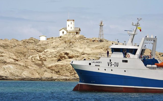 El buque Lalandi de Nueva Pescanova llega a Namibia.