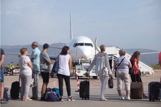 Turismo.- El aeropuerto de Castellón prevé iniciar los vuelos de la nueva ruta a