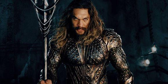2. Jason Momoa enloquece con el Snyder's Cut de Liga de la Justicia... al ritmo de Metallica