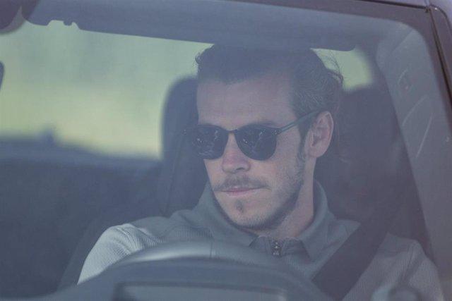 Gareth Bale llegando a entrenar a Valdebebas