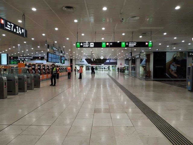 Estación de Sants de Barcelona durante el estado de alarma decretado por el coronavirus