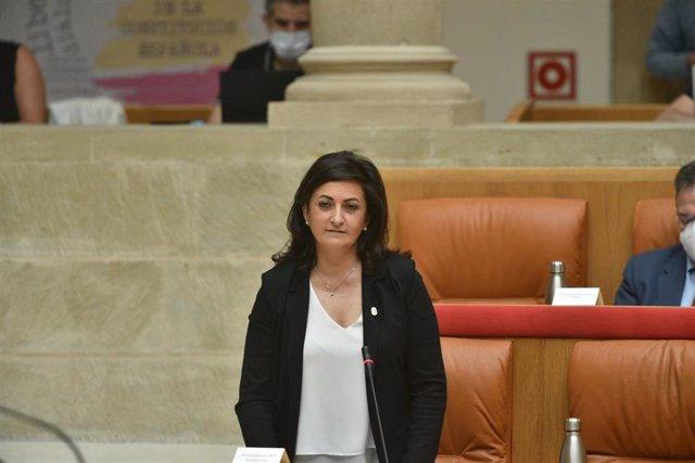 Concha Andreu en el Parlamento de La Rioja