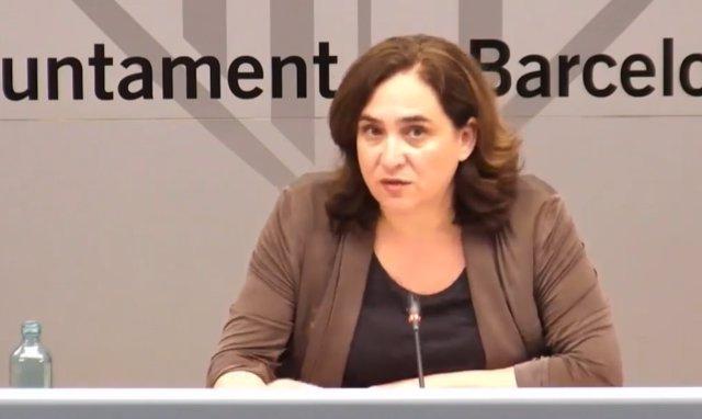La alcaldesa de Barcelona, Ada Colau, en una rueda de prensa telemática para pedir un Pacto de estado por la vivienda y disponer del superávit.