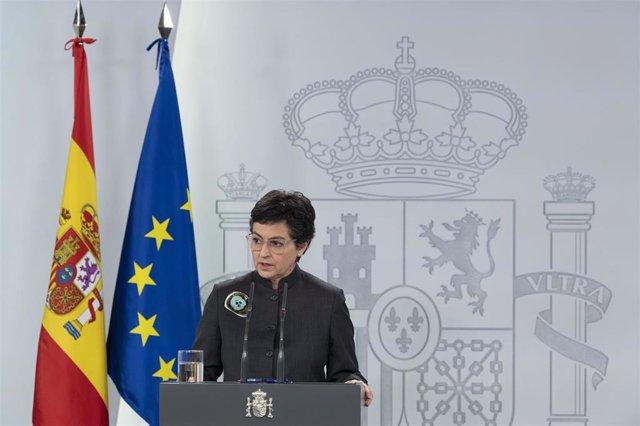 La ministra de Asuntos Exteriores, UE y Cooperación, Arancha González Laya, en rueda de prensa telemática en el Palacio de la Moncloa para informar del Consejo Europeo, el 23 de abril de 2020
