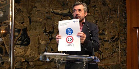 1. El Ayuntamiento de Córdoba impulsa calles con sentidos peatonales regulados y ciclocalles a 30 kilómetros por hora