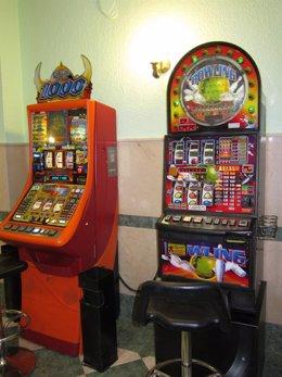 Máquinas en Un Salón De Juegos en imagen de archivo