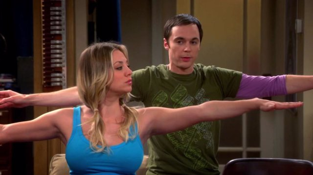 Kaley Cuoco y Jim Parsons en The Big Bang Theory