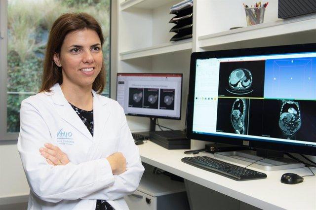 La doctora del Vall d'Hebron Institut d'Oncologia (VHIO) de Barcelona, Raquel Pérez, ha rebut una de les tres beques de 80.000 euros que la Fundació Fero atorga per a la investigació sobre el càncer