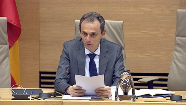 El ministro de Ciencia e Innovación, Pedro Duque, en su comparecencia en el Congreso para dar cuenta de la situación y las medidas adoptadas por su Departamento por la pandemia de COVID-19