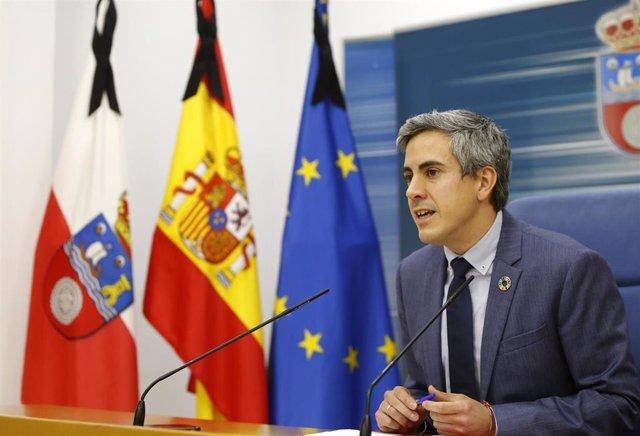 Pablo Zuloaga, vicepresidente del Gobierno, en rueda de prensa