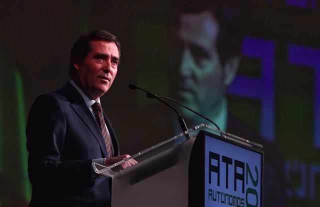 El presidente de la CEOE, Antonio Garamendi, interviene en la clausura de la Asamblea de elecciones de la Asociación de Trabajadores Autónomos