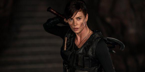 1. Charlize Theron lidera un letal escuadrón inmortal en el tráiler de La vieja guardia