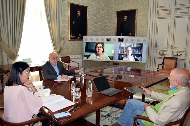 Reunión entre la ministra Carolina Darias y la rectora de la UIMP María Luz Morán